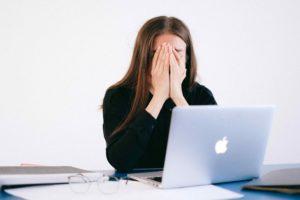 悲しみ,仕事,パソコン